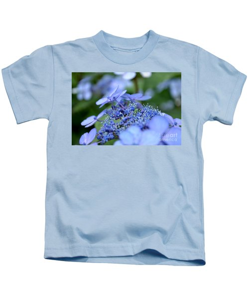 Taube Lacecap Hydrangea Kids T-Shirt