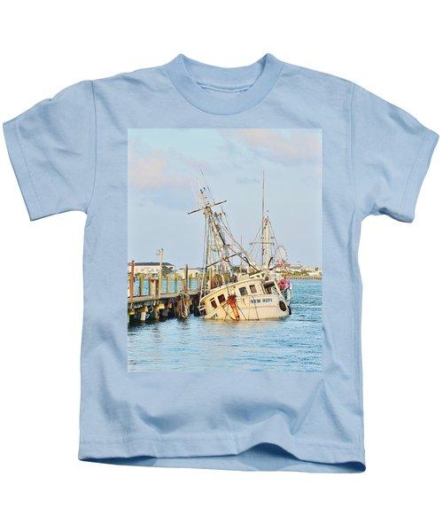 The New Hope Sunken Ship - Ocean City Maryland Kids T-Shirt