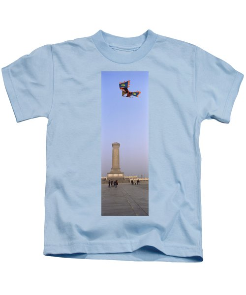 Tourists In Front Of A Monument Kids T-Shirt