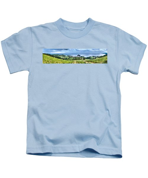 Vineyards By The Sea Kids T-Shirt