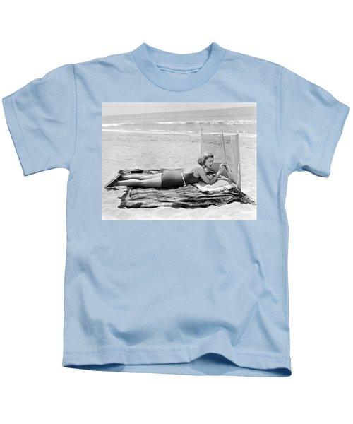 Woman With A Beach Screen Kids T-Shirt