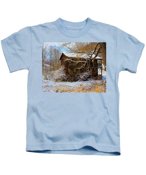West Virginia Winter Kids T-Shirt