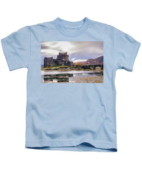 Eilean Donan Castle, Dornie, Kyle Of Lochalsh, Isle Of Skye, Scotland, Uk Kids T-Shirt