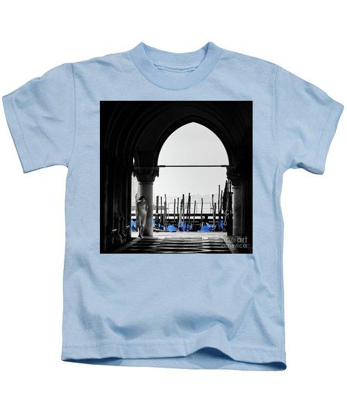 Woman At Doges Palace Kids T-Shirt