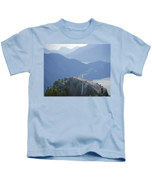 1m2918 South Summit Stawamus Chief From Second Summit Kids T-Shirt