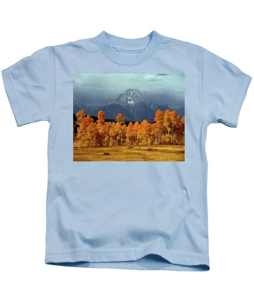 1m9235 Mt. Moran In Autumn Kids T-Shirt