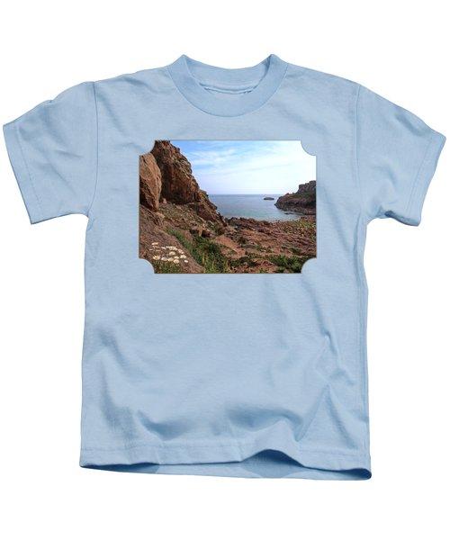 Daisies In The Granite Rocks At Corbiere Kids T-Shirt