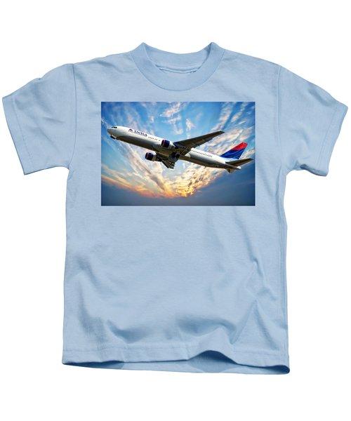Delta Passenger Plane Kids T-Shirt