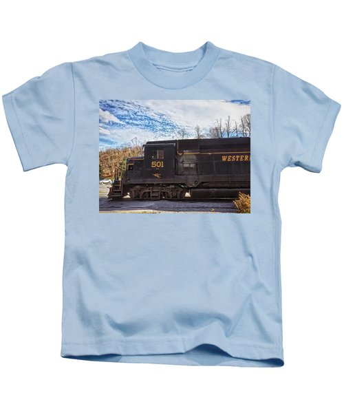 Kids T-Shirt featuring the photograph Engine 501 by Chris Montcalmo