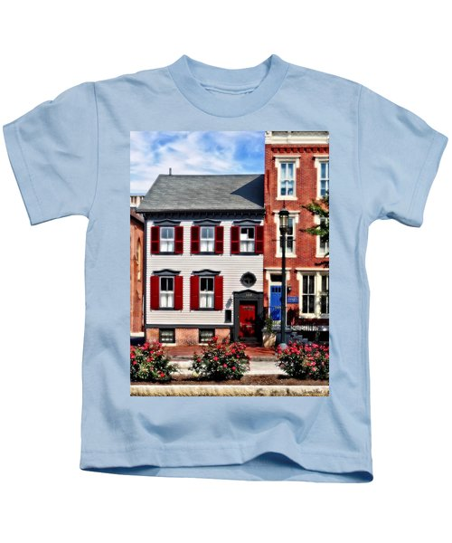 Harrisburg Pa - Roses On State Street Kids T-Shirt