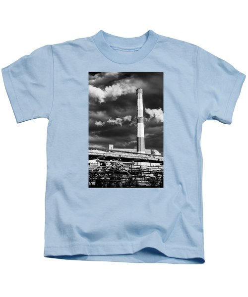 Huge Industrial Chimney And Smoke In Black And White Kids T-Shirt
