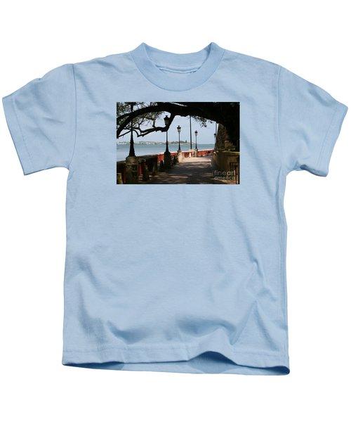 Img_0106 Paseo De La Princesa Kids T-Shirt