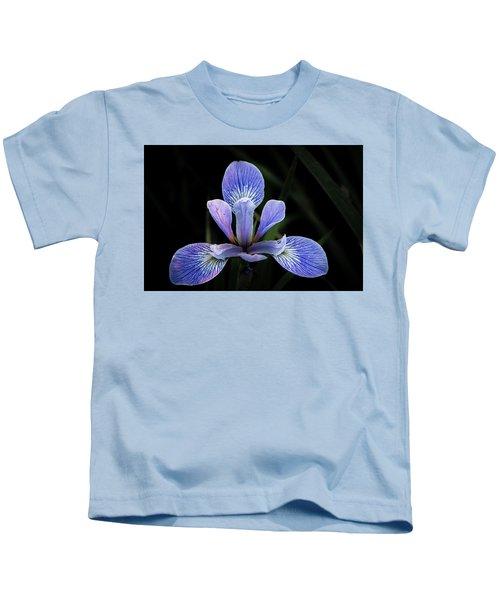 Iris #4 Kids T-Shirt