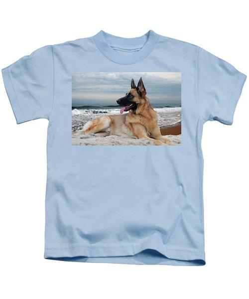 King Of The Beach - German Shepherd Dog Kids T-Shirt