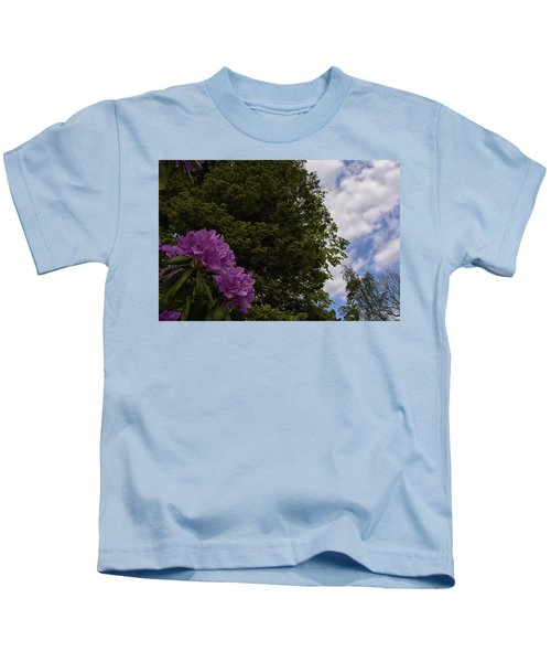 Looking To The Sky Kids T-Shirt