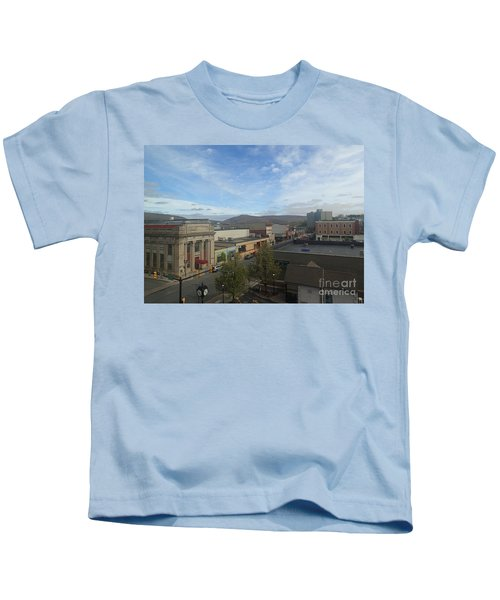 Main St To The Mountains   Kids T-Shirt
