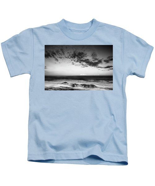 Maine Rocky Coast With Boulders And Clouds At Two Lights Park Kids T-Shirt