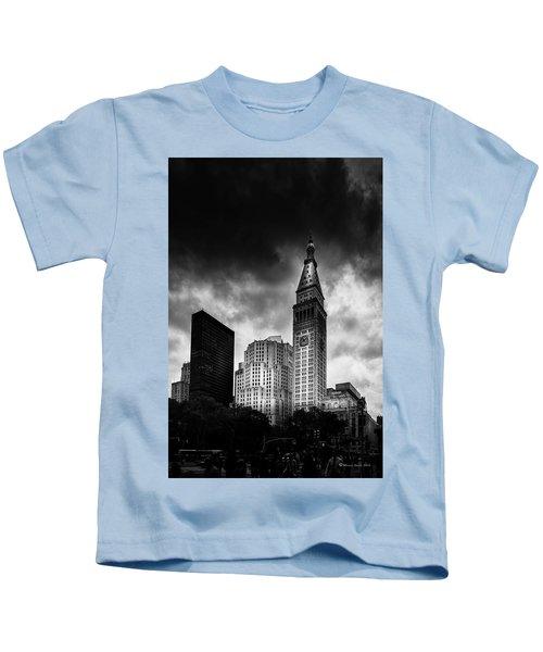 Met-life Tower Kids T-Shirt