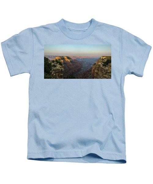 Morning Lights Wotans Throne Kids T-Shirt