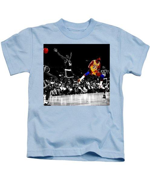 No Look Pass 32 Kids T-Shirt
