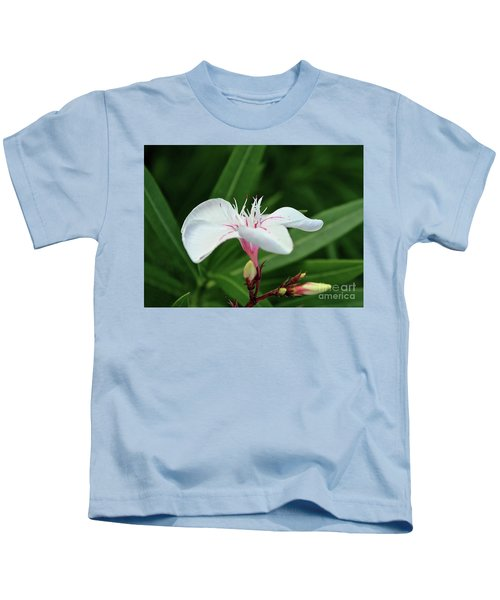 Oleander Harriet Newding  1 Kids T-Shirt