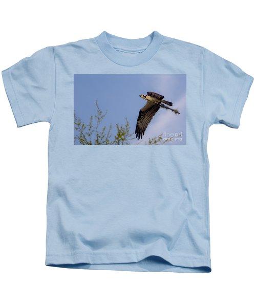 Osprey Collecting Sticks Kids T-Shirt