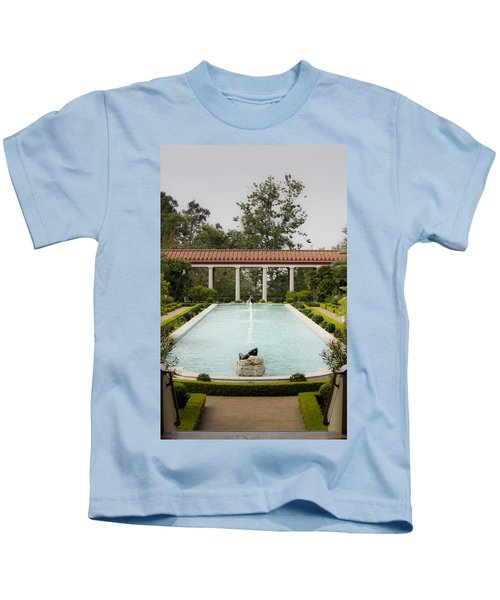 Outer Peristyle Pool And Fountain Getty Villa Kids T-Shirt
