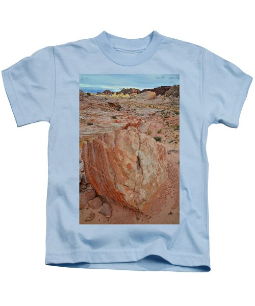 Sandstone Shield In Valley Of Fire Kids T-Shirt