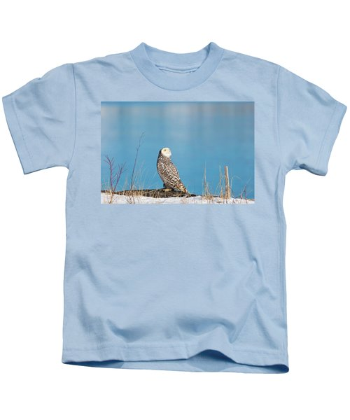 Snowy Watching A Plane Kids T-Shirt