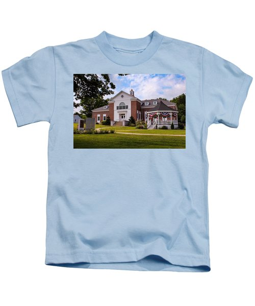 Southampton, Ma Town Hall Kids T-Shirt