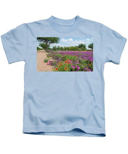 Trailing Beauty Kids T-Shirt
