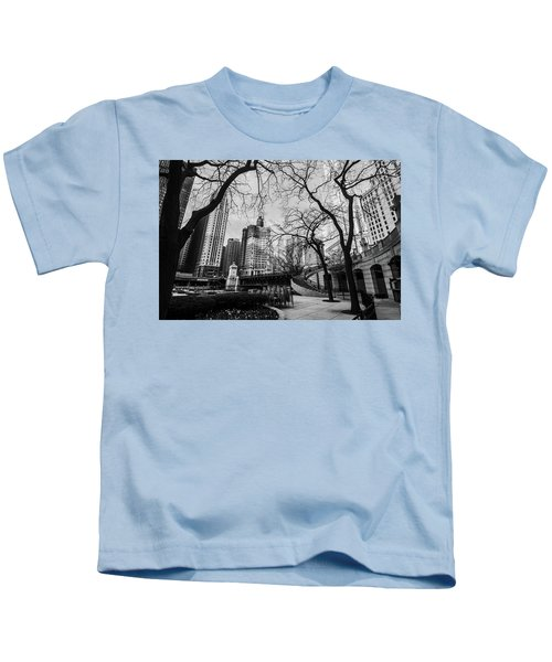 Windy Mornings In The Chi  Kids T-Shirt