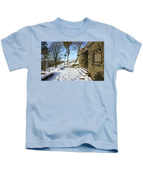 30/01/19  Rivington. Summerhouse In The Snow. Kids T-Shirt