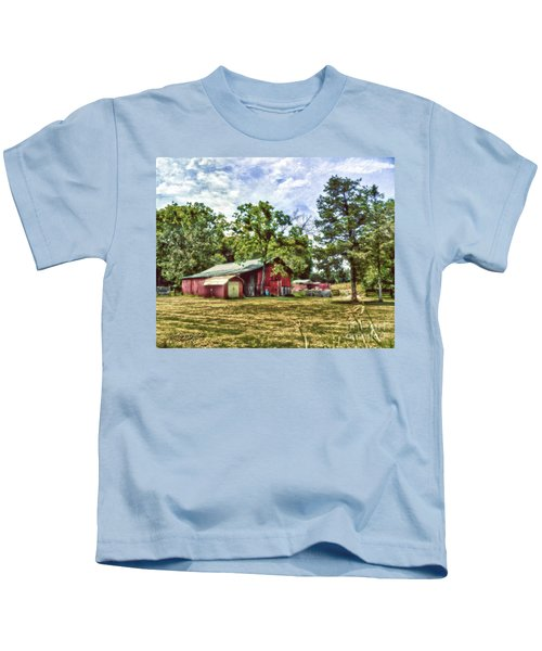 Along The Rural Road Old Barn In Tennessee Kids T-Shirt