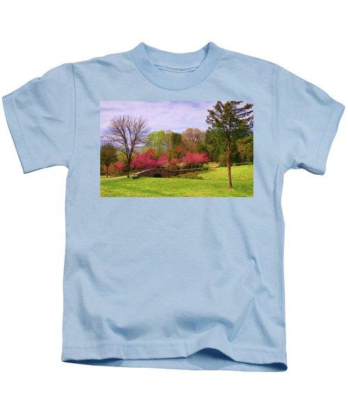 Entrance To Rassawek Vineyard In Columbia Virginia Kids T-Shirt