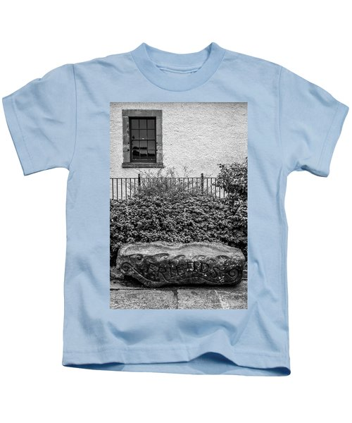 Friends Are Like Windows Through Which You See Out Into The World And Back Into Yourself Kids T-Shirt