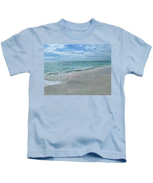 Needs Footprints Kids T-Shirt