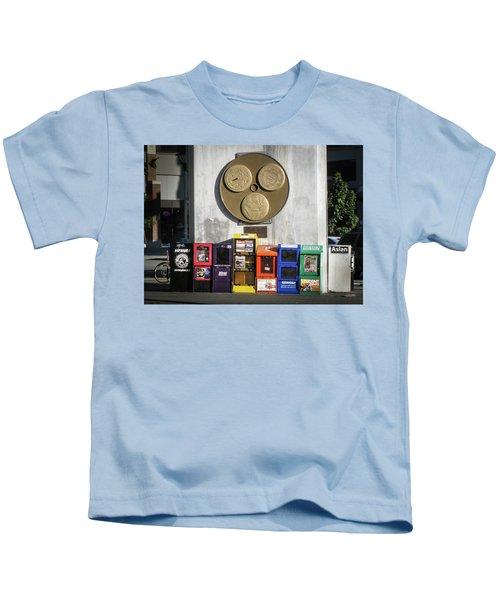 Newsstands At Gilmore Kids T-Shirt