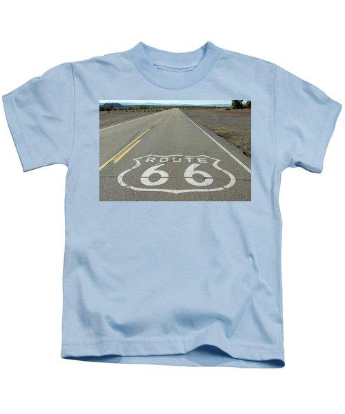 Route 66 Shield Near Amboy Ca Kids T-Shirt