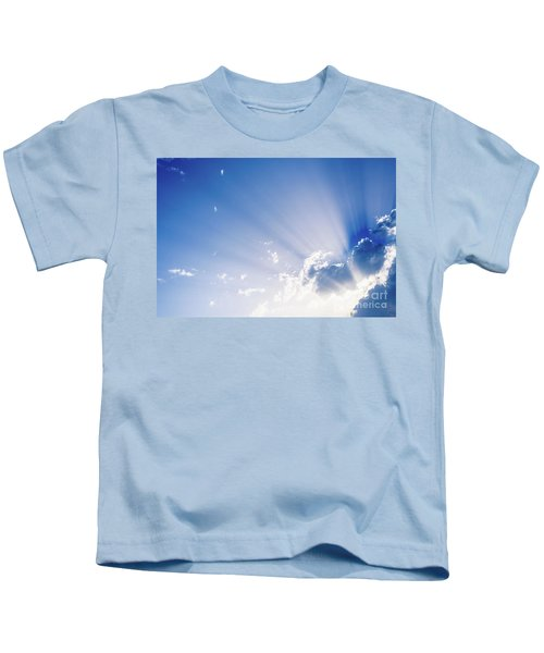 Sunbeams Rising From A Large Cloud In Intense Blue Sky On A Summer Afternoon Kids T-Shirt