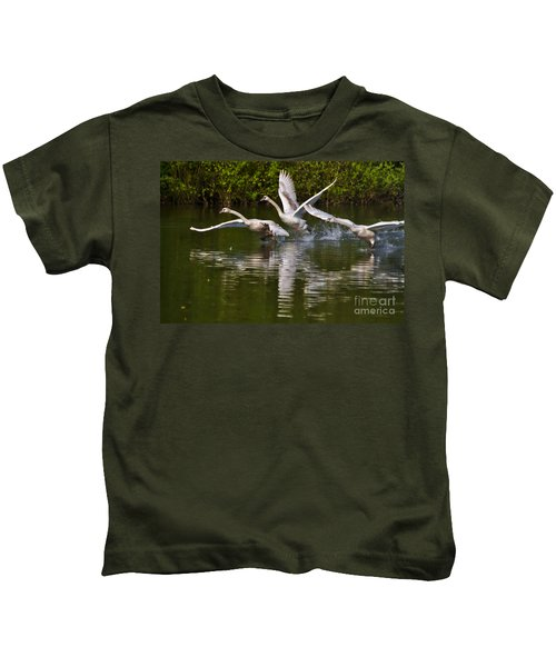 Swan Take-off Kids T-Shirt