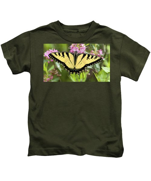 Tiger Swallowtail Butterfly On Milkweed Flowers Kids T-Shirt