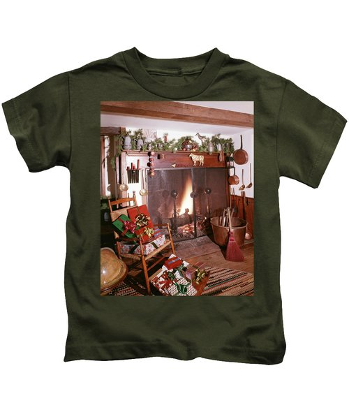 1960s Early American Style Christmas Kids T-Shirt