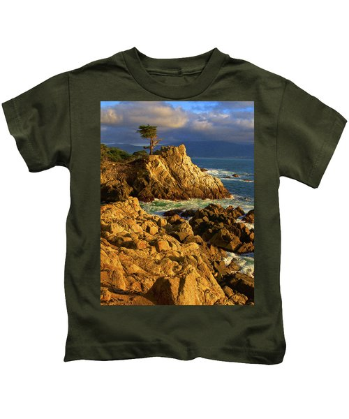 Lone Cypress On The Coast, Pebble Kids T-Shirt
