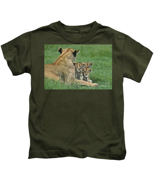 African Lion Cubs Study The Photographer Tanzania Kids T-Shirt