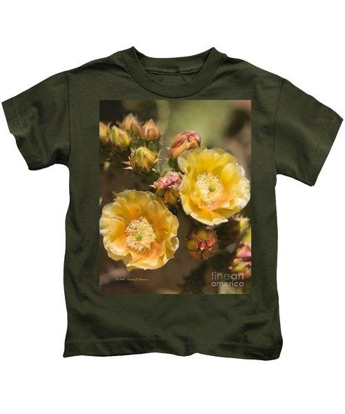 'albispina' Cactus Blooms Kids T-Shirt
