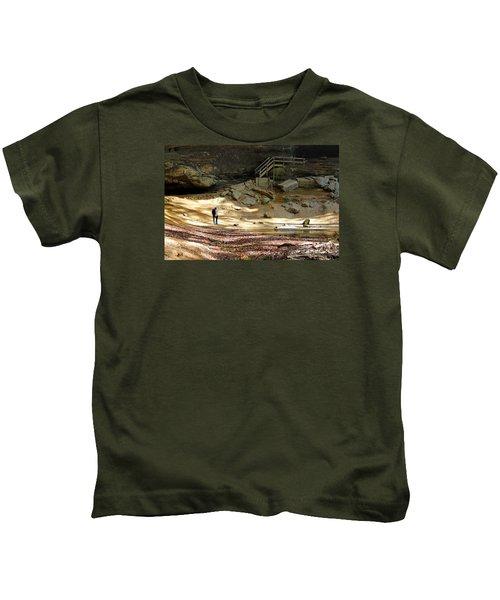 Ash Cave In Hocking Hills Kids T-Shirt