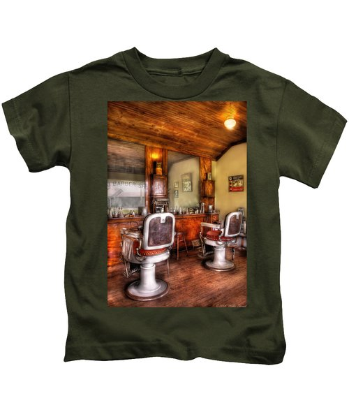 Barber - The Barber Shop II Kids T-Shirt