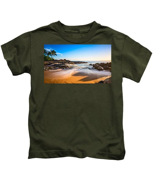 Beach Paradise - Beautiful And Secluded Secret Beach In Maui. Kids T-Shirt