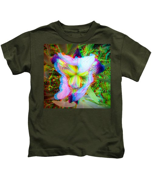 Bearded Iris Cultivar - Use Red-cyan 3d Glasses Kids T-Shirt